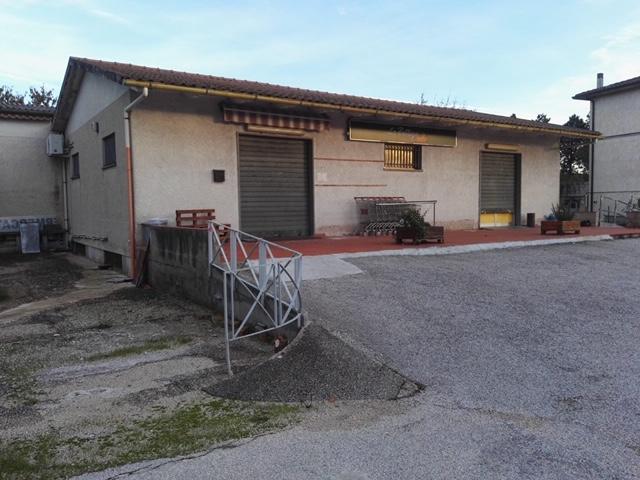 FOLIGNO, Via Clareno, tra Foligno e Spello