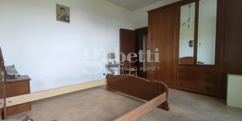 15 piano primo camera (soggiorno)